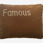 ALM109 – ALMOFADA FAMOUS TACHAS